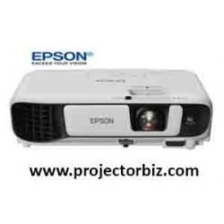 Epson EB-X05 XGA 3300 Lumens 3LCD Projector
